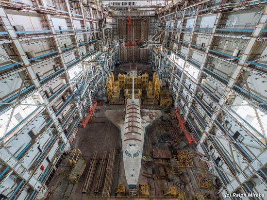 Abandoned spaceships Energy-Buran, Baikonur cosmodrome, photo 6