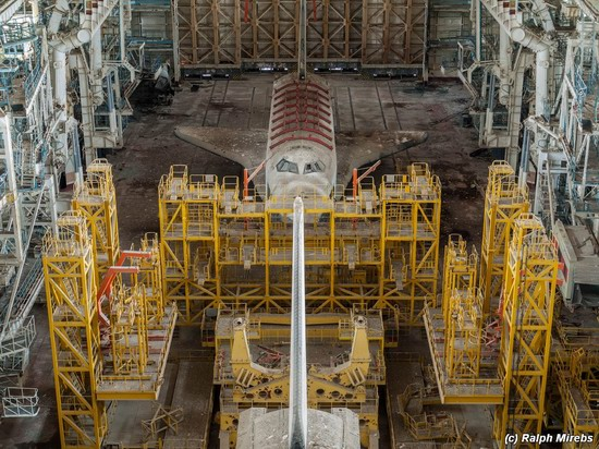 Abandoned spaceships Energy-Buran, Baikonur cosmodrome, photo 7