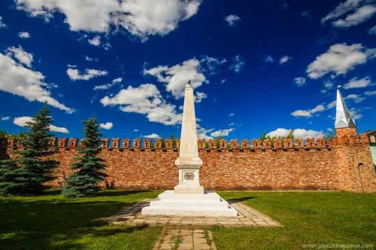 Bizarre Lenin monument, Yelabuga, Tatarstan, Russia, photo 3