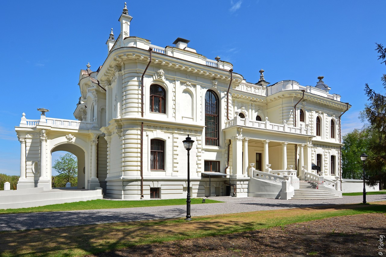 The mansion of mikhail aseev in tambov russia travel blog for Mansions house