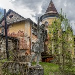 Abandoned manor of the architect Khrenov in Zaklyuchye