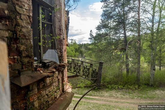 Abandoned manor of the architect Khrenov in Zaklyuchye, Tver region, Russia, photo 12