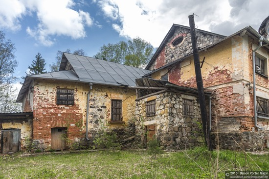 Abandoned manor of the architect Khrenov in Zaklyuchye, Tver region, Russia, photo 2
