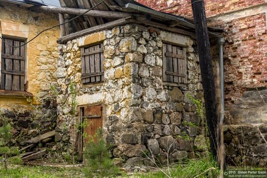 Abandoned manor of the architect Khrenov in Zaklyuchye, Tver region, Russia, photo 3