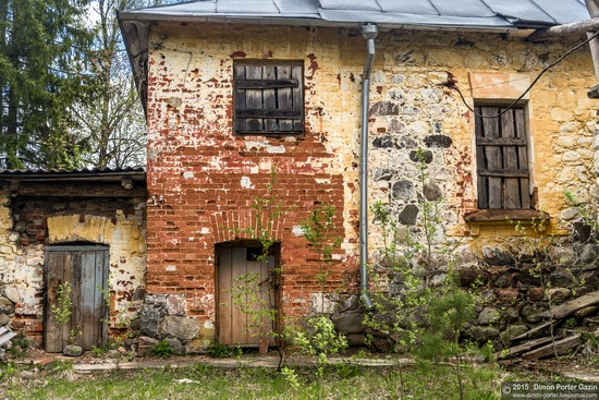 Abandoned manor of the architect Khrenov in Zaklyuchye, Tver region, Russia, photo 4