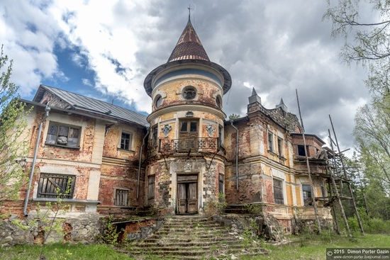 Abandoned manor of the architect Khrenov in Zaklyuchye, Tver region, Russia, photo 5