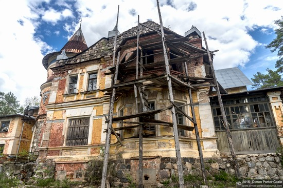 Abandoned manor of the architect Khrenov in Zaklyuchye, Tver region, Russia, photo 7