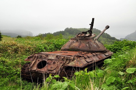 Abandoned tanks, Shikotan Island, Sakhalin region, Russia, photo 9