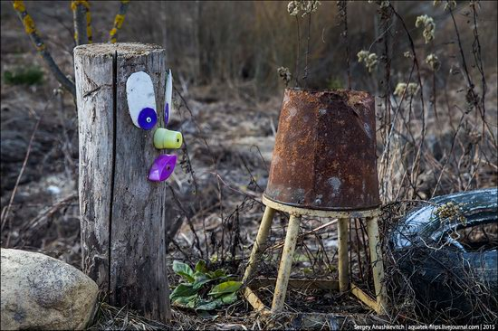 Strange self-made outdoor toys in Russia, photo 11