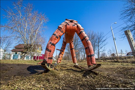 Strange self-made outdoor toys in Russia, photo 15