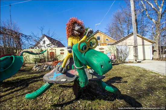 Strange self-made outdoor toys in Russia, photo 18