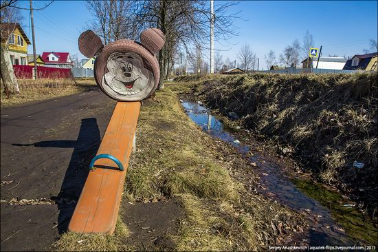 Strange self-made outdoor toys in Russia, photo 24