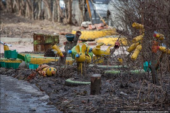 Strange self-made outdoor toys in Russia, photo 4