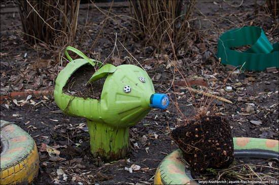 Strange self-made outdoor toys in Russia, photo 9