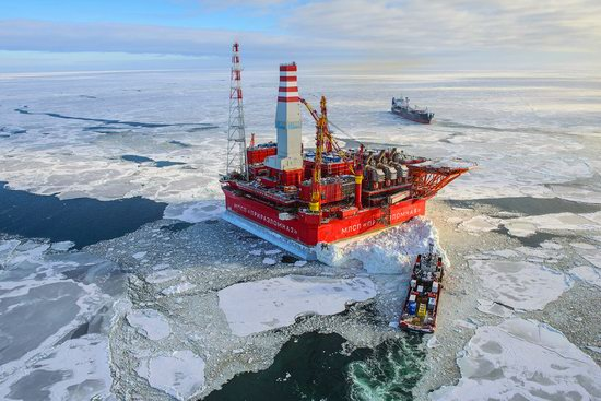 Oil production on the shelf in the Russian Arctic, photo 1
