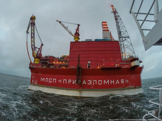 Oil production on the shelf in the Russian Arctic, photo 15