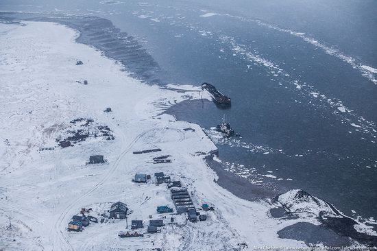 Oil production on the shelf in the Russian Arctic, photo 4