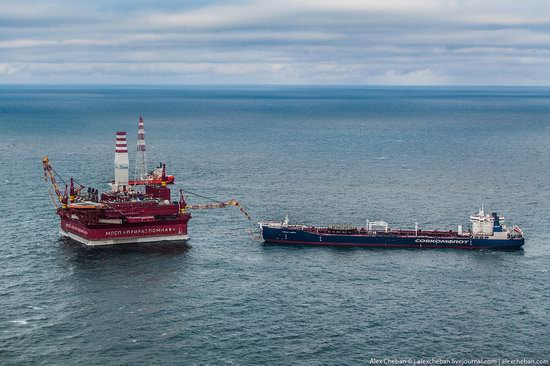 Oil production on the shelf in the Russian Arctic, photo 6