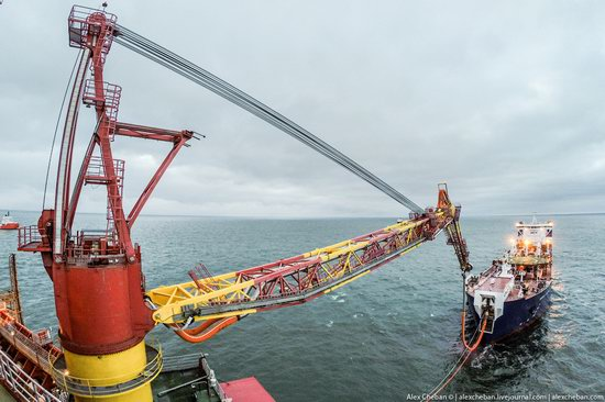 Oil production on the shelf in the Russian Arctic, photo 7