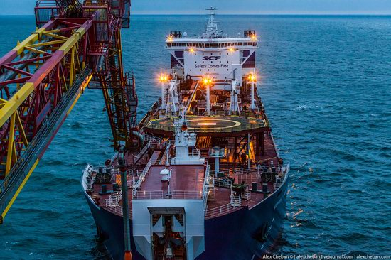 Oil production on the shelf in the Russian Arctic, photo 8