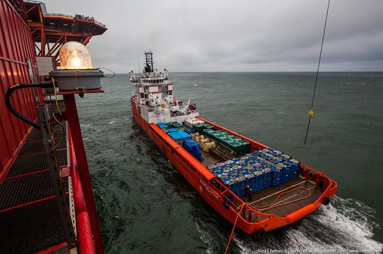 Oil production on the shelf in the Russian Arctic, photo 9
