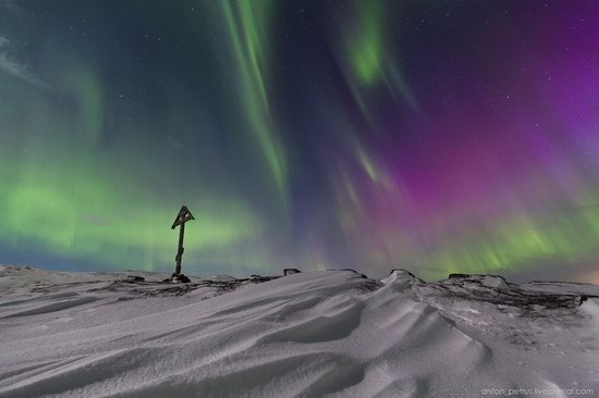 The sky in shades of emerald in northern Russia, photo 11