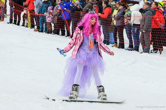 The carnival-parade at the festival GrelkaFest in Sheregesh, Russia, photo 22