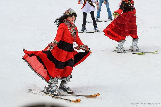 The carnival-parade at the festival GrelkaFest in Sheregesh, Russia, photo 7