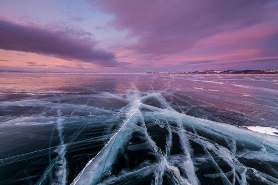 The beauty of the ice of Lake Baikal, Russia, photo 14