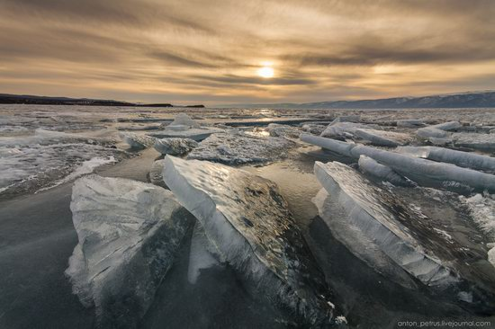 The beauty of the ice of Lake Baikal, Russia, photo 15