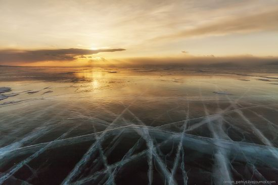 The beauty of the ice of Lake Baikal, Russia, photo 2