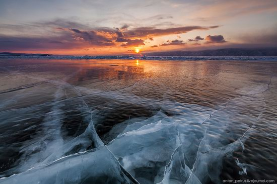 The beauty of the ice of Lake Baikal, Russia, photo 3