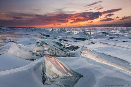 The beauty of the ice of Lake Baikal, Russia, photo 8