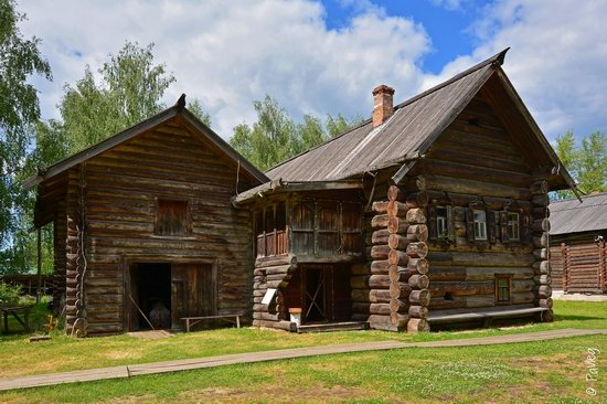 Wooden architecture museum Kostroma Sloboda, Russia, photo 4