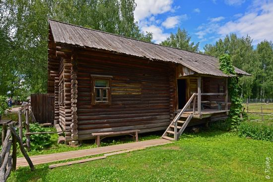 Wooden architecture museum Kostroma Sloboda, Russia, photo 5