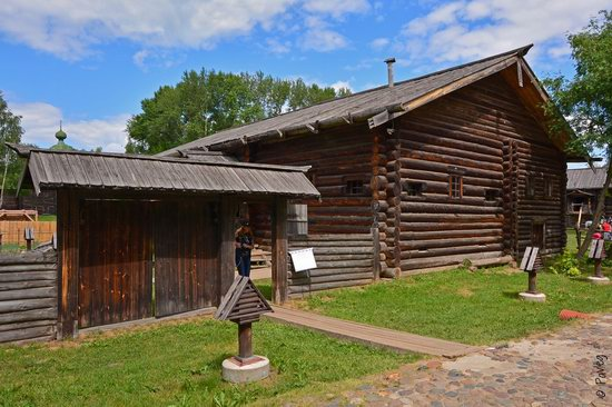 Wooden architecture museum Kostroma Sloboda, Russia, photo 8
