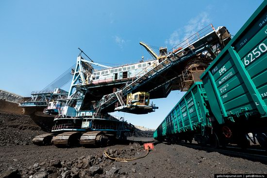 Borodinsky coal strip mine, Russia, photo 14