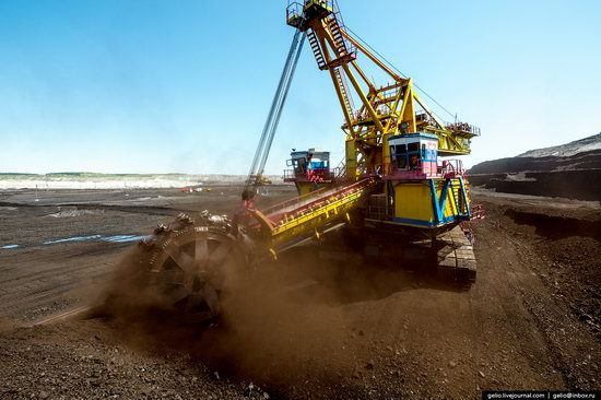 Borodinsky coal strip mine, Russia, photo 17