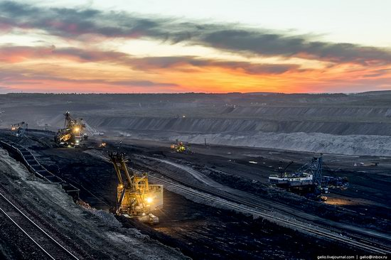 Borodinsky coal strip mine, Russia, photo 4