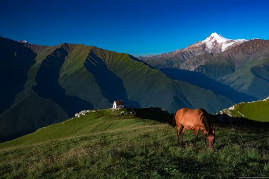 Climbing Stolovaya Mountain, Caucasus, Russia, photo 1