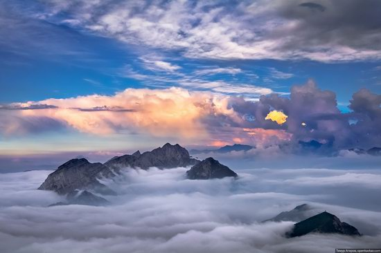 Climbing Stolovaya Mountain, Caucasus, Russia, photo 15