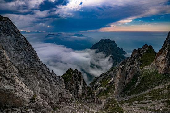 Climbing Stolovaya Mountain, Caucasus, Russia, photo 17