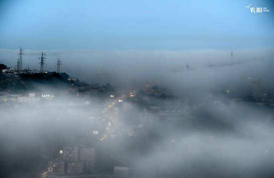 Foggy day in Vladivostok, Russia, photo 3