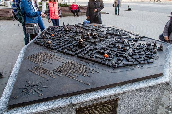 Bronze monument Miniature Tula, Russia, photo 1