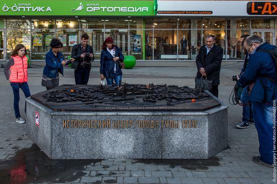 Bronze monument Miniature Tula, Russia, photo 2