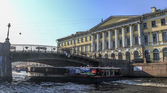 Boat trip along the canals of St. Petersburg, Russia, photo 10