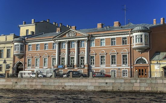 Boat trip along the canals of St. Petersburg, Russia, photo 12
