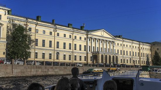 Boat trip along the canals of St. Petersburg, Russia, photo 17