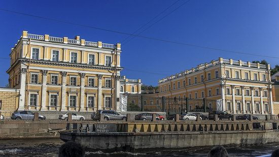 Boat trip along the canals of St. Petersburg, Russia, photo 26