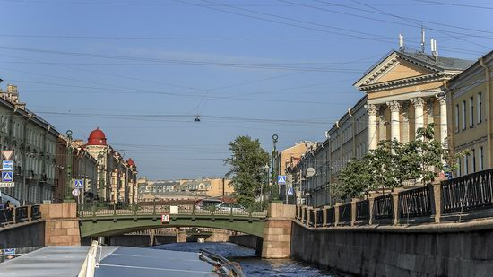 Boat trip along the canals of St. Petersburg, Russia, photo 28